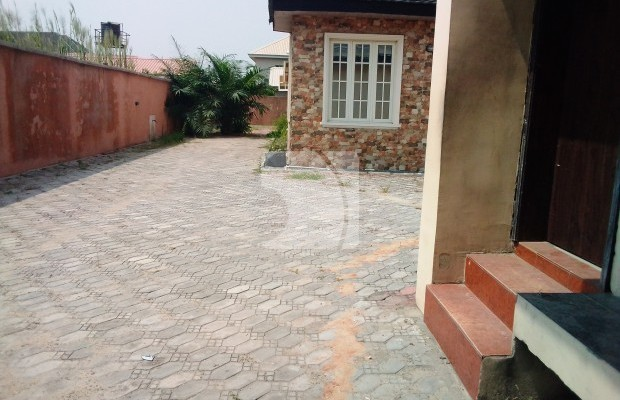 Photo #2 Multi Family Home for sale in Nigeria, Lekki Phase 1, Patience Olukayode Close